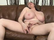 Chubby mature plays with wet pussy