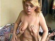 Blonde plump mature screwed on bed