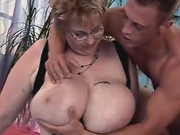 Furious portly girl jumping on cock